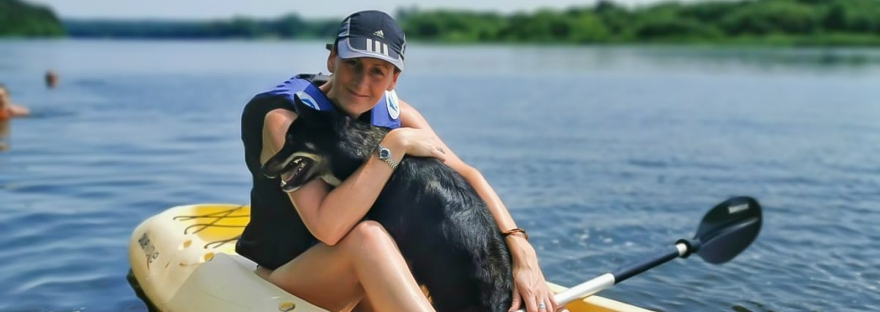 June & Luna kayaking on the Nemunas | www.junemolloy.com